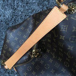 Louis Vuitton Bags - Louis Vuitton Berri MM